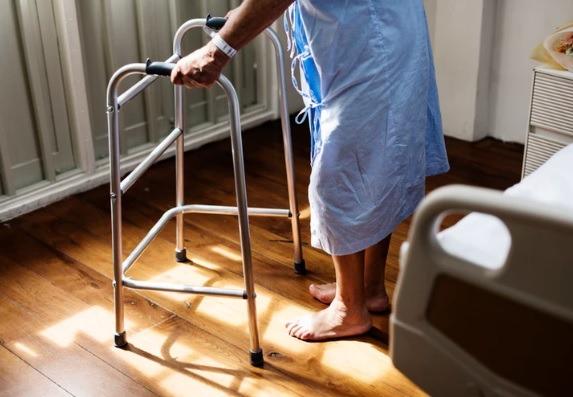 公立醫院換關節