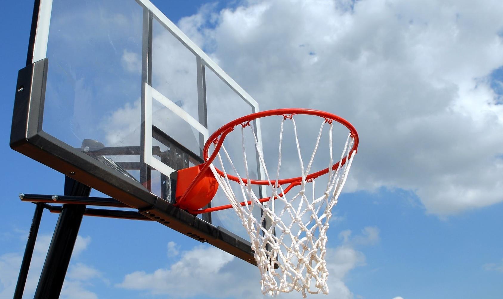 子女打籃球受傷唔想排公立醫院?保泰意外保險幫到你!